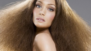 Saçlarda Elektriklenme Neden Olur ve Nasıl Önlenir