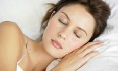 Makyaj İle Uyumanın Zararları