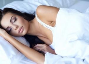 Makyajla Uyumanın Cilde Zararları Nelerdir?